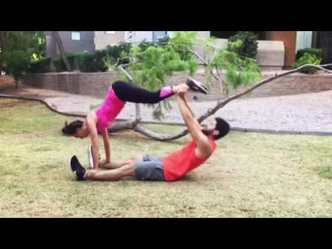 Duo-abs-and-back-Couple-workout